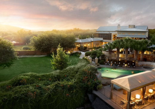 19 acres of lakeside luxury