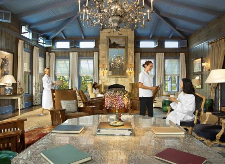 LakeHouse Spa Blue Room