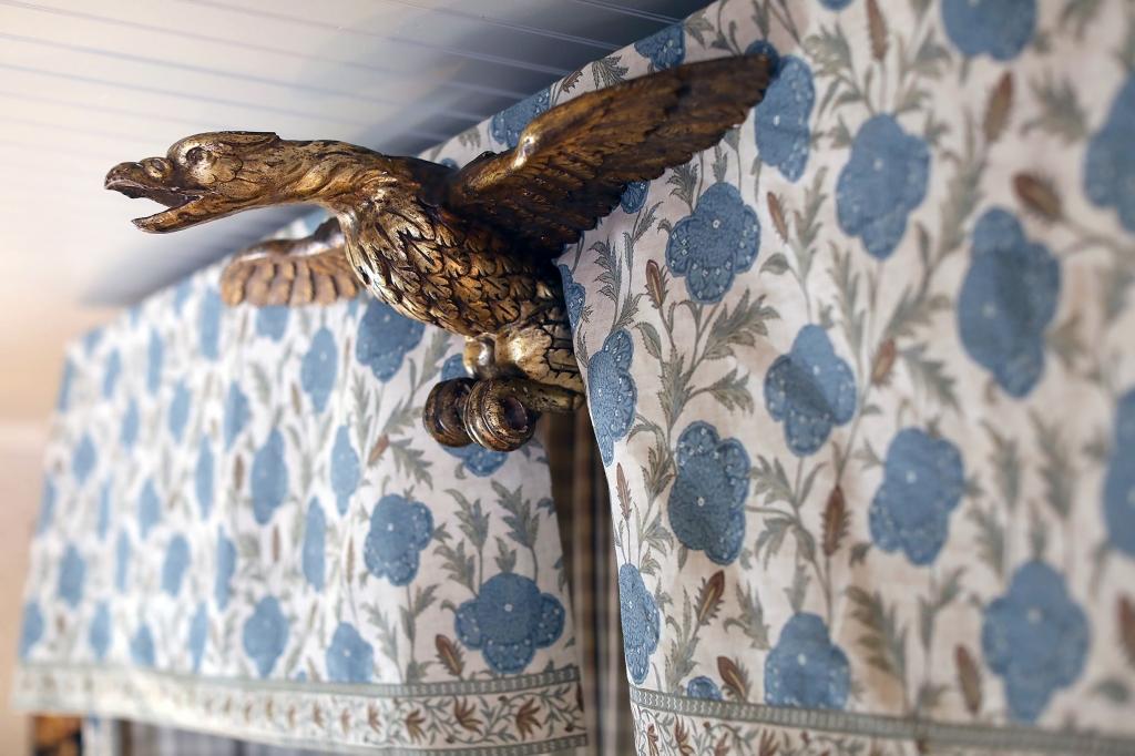 Ornamental bird sculpture in the Lady Bird Suite at Lake Austin Spa Resort