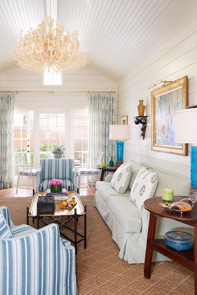 Lady Bird Presidential Suite living room.