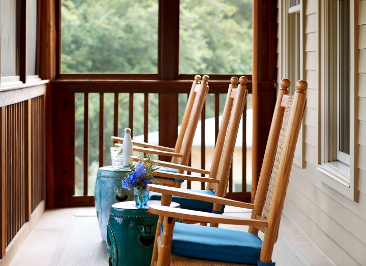 Rocking chairs on the porch of the Blue Room